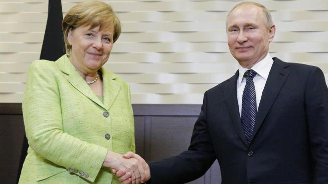 Merkel busca el diálogo con Putin