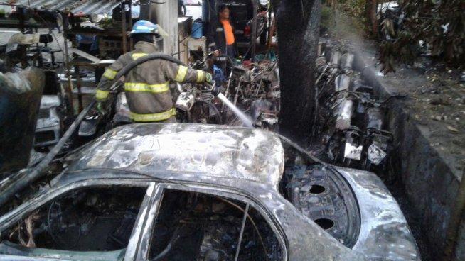 Incendio consume 20 vehículos de la Corte Suprema de Justicia