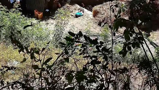 Encuentra el cadáver de un hombre envuelto en sabanas en Santiago Texacuangos