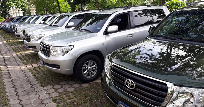 Asamblea Legislativa pone en subasta 13 camionetas de lujo