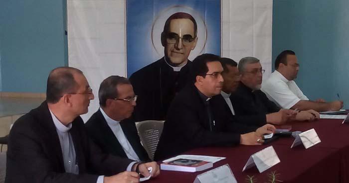 5 mil salvadoreños asistirían al acto de canonización de Monseñor Romero en el Vaticano