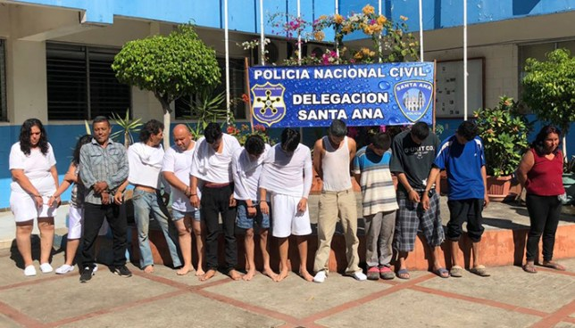 Policía de Santa Ana presenta a 21 personas capturadas por diverso delitos