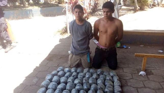 Capturan en Santa Ana a sujetos con más de 50 paquetes de droga