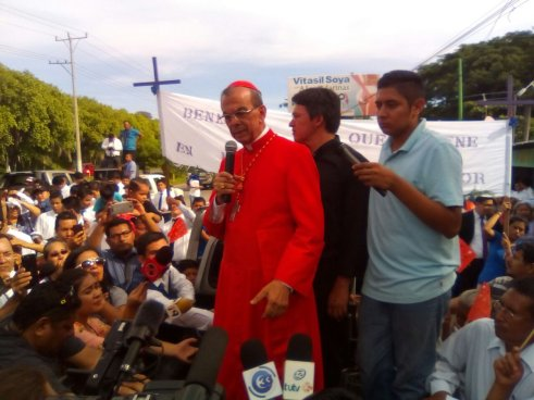 Cardenal Rosa Chavéz pide que se investiguen las muertes del Beato Romero y Monseñor Ramos