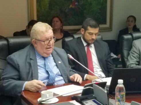 """Cáceres: """"Los 500 mil dólares de Fideicomiso no bastan para pagar pensiones"""""""