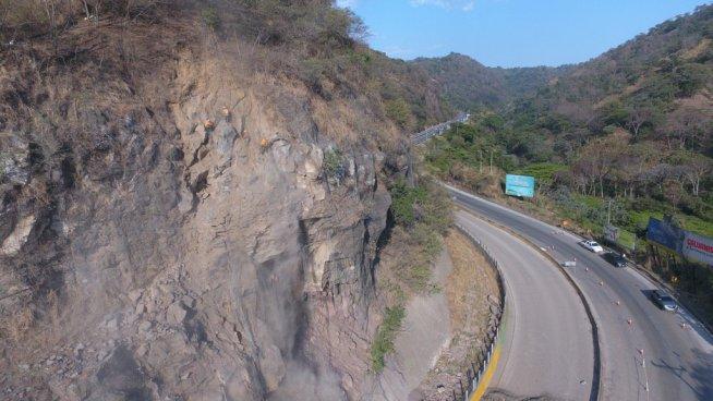MOP instalará un sistema de alerta para derrumbes en la carretera Los Chorros
