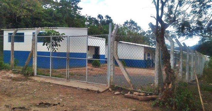 Delincuentes hurtan computadoras de un centro escolar de Conchagua, La Unión