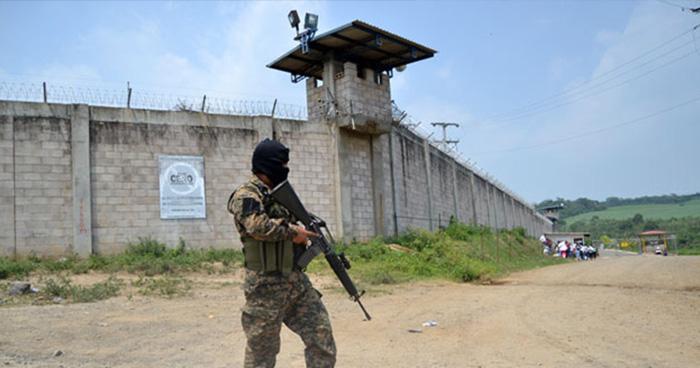 Bloqueo de señal telefónica en centros penales podría ser permanente