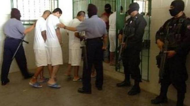 Centros Penales colocará brazaletes electrónicos para reos en diciembre