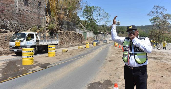 Carretera al Puerto de La Libertad será cerrada este mediodía