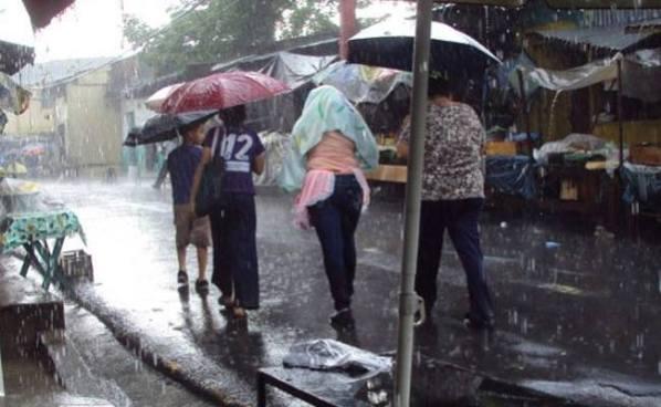 Siguen las lluvias debido a un ciclón que podría convertirse en tormenta tropical