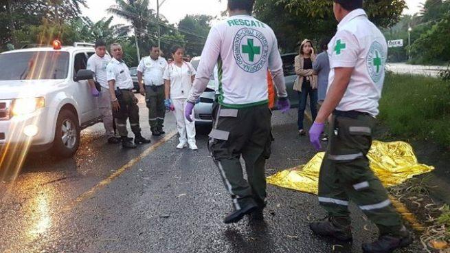 Una persona murió y otra resulto lesionada tras ser atropelladas por un vehículo en Ciudad Arce
