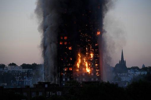 Incendio en Londres: Autmenta a 30 el numero de fallecidos
