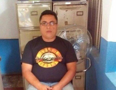 Capturan profesor de Matemáticas por abusar de tres estudiantes en Santa Ana