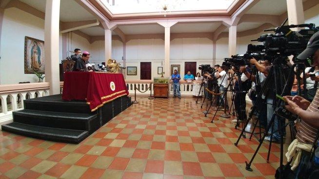 Más de 300 salvadoreños asistirán al nombramiento de Monseñor Rosa Chávez como cardenal