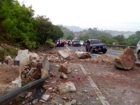 Una mujer embarazada resultó herida luego de accidentarse con los escombros de un derrumbe