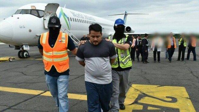 Pandillero salvadoreño capturado en Texas, EE.UU. es entregado a la Fiscalía