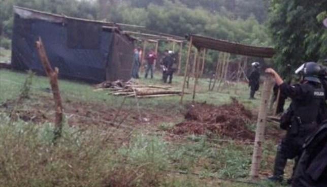 Autoridades de la UMO desalojan comunidad tomada por veteranos de guerra en La Libertad