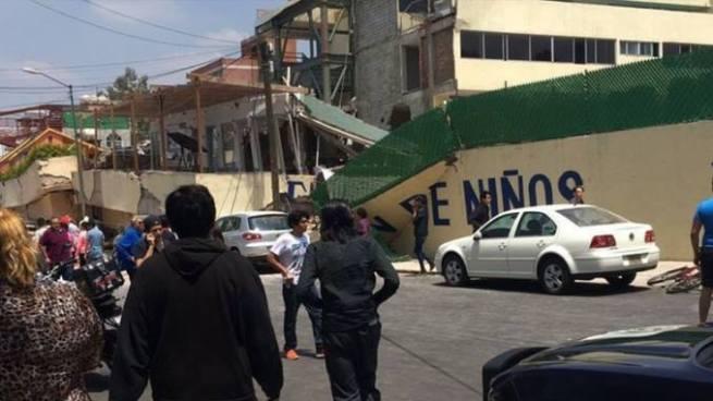 Marina mexicana desmiente la existencia de niña atrapada en escuela