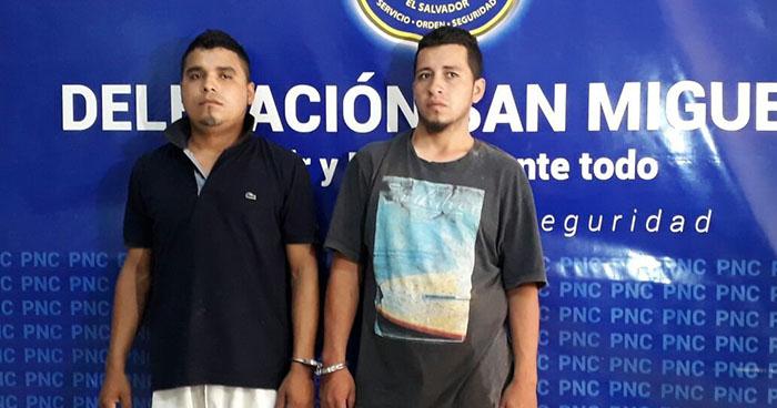 PNC de San Miguel captura a dos extorsionistas y a un menor de edad