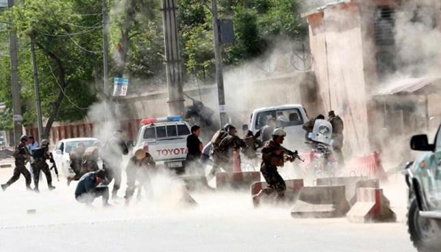 Afganistán: Suicida se hace explotar en medio de periodistas que cubrían un atentado