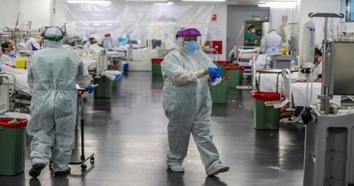 España suma más de 300 nuevas muertes por COVID-19