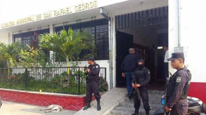 Envían a juicio a 9 imputados por hechos de corrupción en alcaldía de San Rafael Cedros