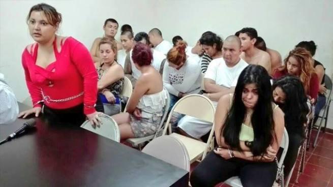 Ordenan recaptura de damas de compañia que estaban con pandilleros en casa de playa