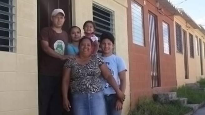 Fondo Social para la Vivienda destaca reducción del déficit habilitacional en El Salvador