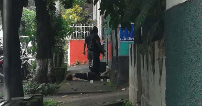 Mujer es asesinada cuando realizaba compras en una tienda de Nueva Guadalupe, San Miguel