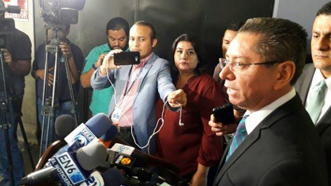 Fiscal confirma investigación contra funcionarios por incidir en el peritaje del caso Funes