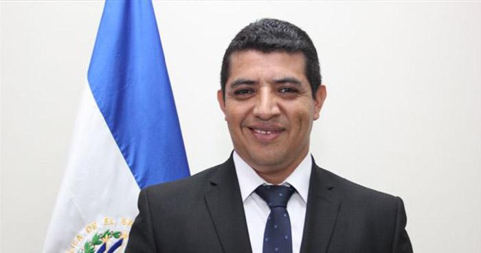 Exalcaldes de San Sebastián Salitrillo retenían cuotas a empleados de la alcaldía