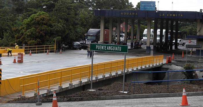 Inauguran puente binacional en la frontera de Anguiatú
