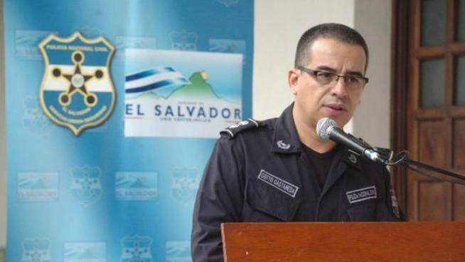 Howard Cottto contradice la propuesta de Guillermo Gallegos sobre armar a la población