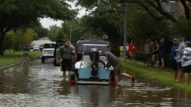 Incrementa el número de víctimas mortales por la tormenta 'Harvey'
