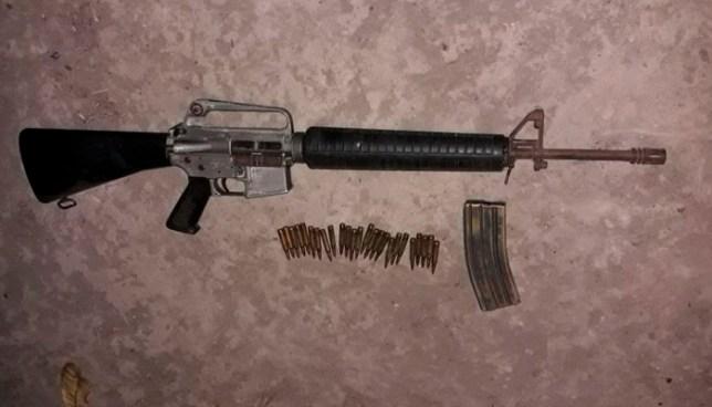 Capturan a pandillero que intentó huir y abandonó un M16 que portaba al ver presencia de la PNC en La Paz
