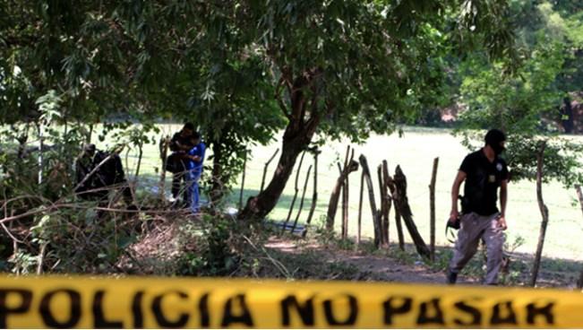 Encuentran el cuerpo de un hombre degollado por presuntos pandilleros en Nejapa