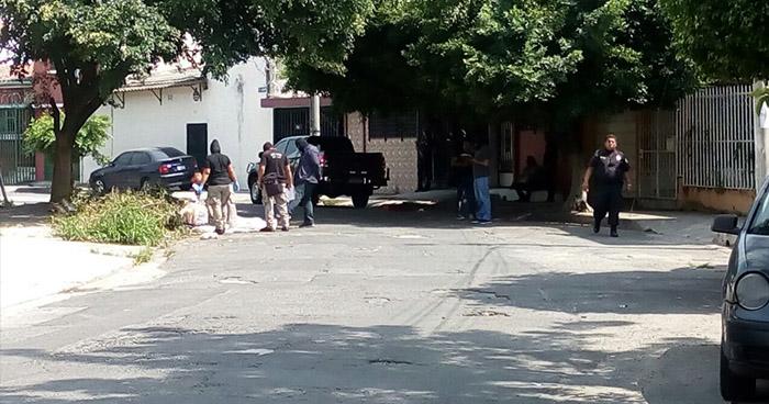 Localizan cadáver envuelto en sábanas en colonia Santa Eugenia de San Salvador