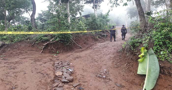 Motociclista es asesinado a balazos por sujetos que le salieron al paso en Comasagua, La Libertad