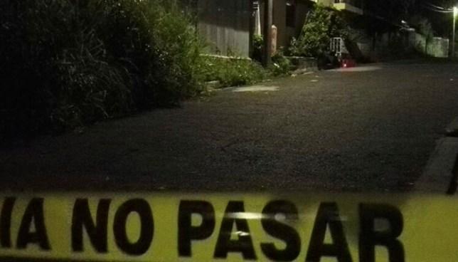 Desconocidos asesinan a un hombre en la colonia Santa Rosa de Cuscatancingo