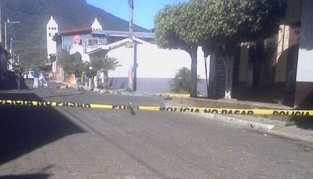 Sujetos persiguen y matan a balazos a un joven en el centro de Juayua, Sonsonate