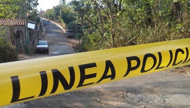 Hallan el cadáver embolsado de una persona cerca de una escuela en Lolotique, San Miguel