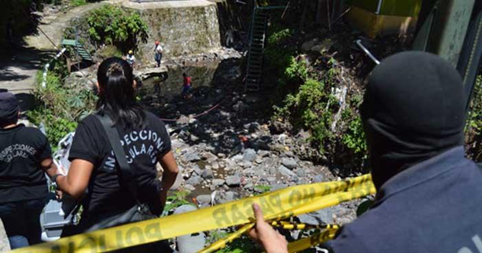 Hallan el cadáver desmembrado de una mujer dentro de una cubeta en el río Acelhuate