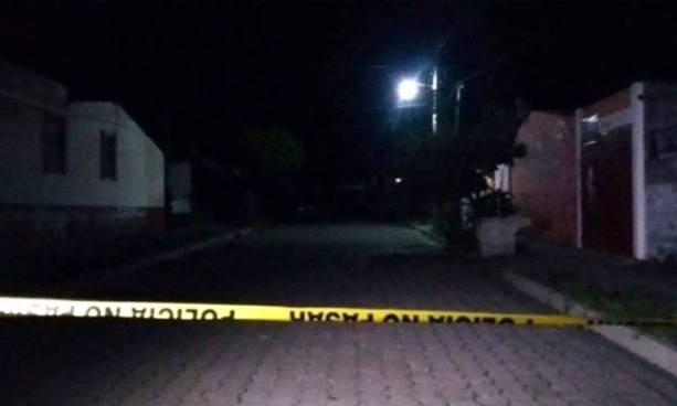 Desconocidos matan a un pandillero y hieren de gravedad a su primo en Santa Ana
