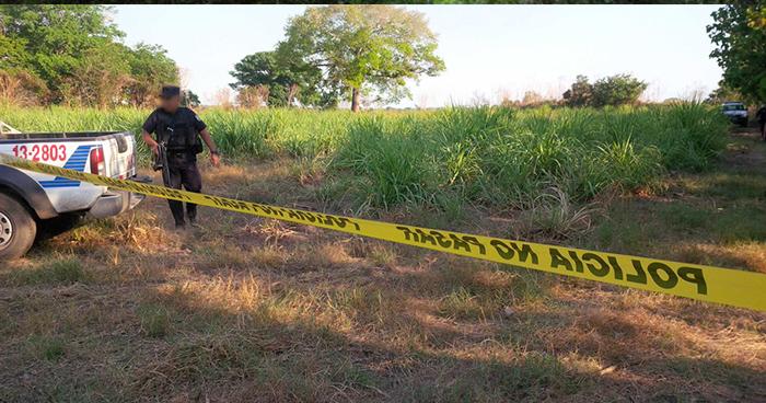 Privan de libertad y matan a pandillero cerca de una cancha de fútbol en Tecoluca, San Vicente
