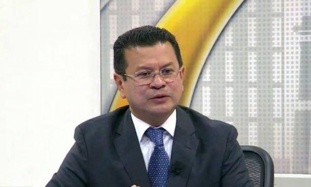 Canciller Hugo Martínez ve 'difícil' que el TPS puede seguir existiendo