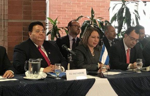 El Salvador inicia proceso para aliarse a la unión aduanera