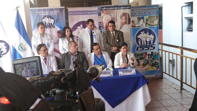 Autoridades de Salud informan sobre el estado de pacientes afectados por el incendio del MH