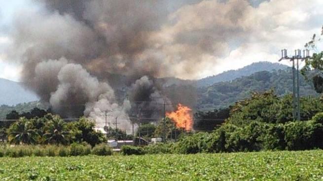 Fabrica de tarimas se incendia en carretera a Sonsonate