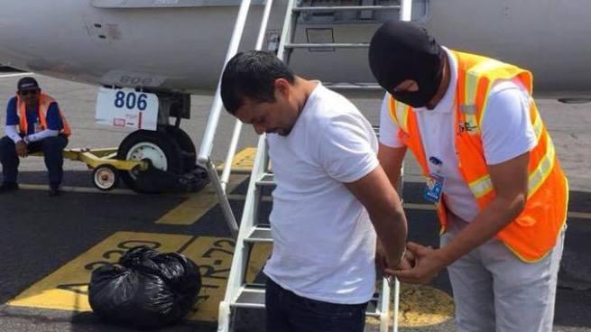 Interpol captura y deporta a salvadoreño acusado del homicidio de una mujer